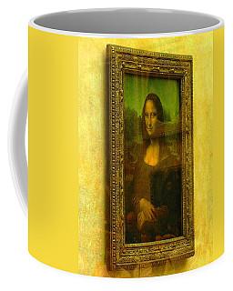 Glance At Mona Lisa Coffee Mug