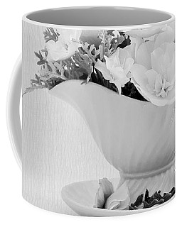Coffee Mug featuring the photograph Gravy Boat Art by Sandra Foster