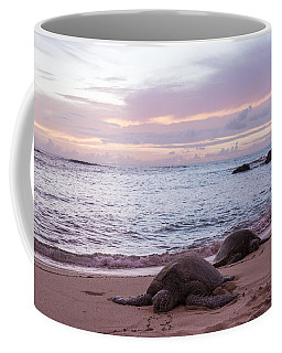 Green Hawaiian Sea Turtles At Sunset - Oahu Hawaii Coffee Mug