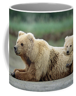 Grizzly Mother And Son Coffee Mug