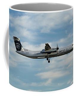 Horizon Airlines Q-400 Approach Coffee Mug