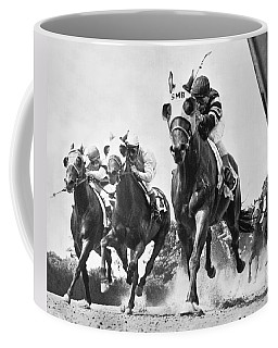 Horse Racing At Belmont Park Coffee Mug