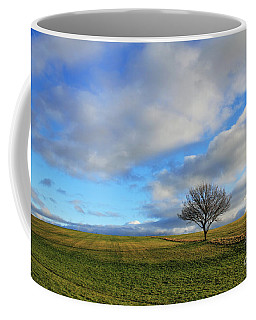 Lone Tree At Epsom Downs Uk Coffee Mug