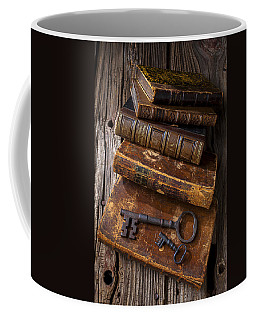 Love Reading Coffee Mug by Garry Gay