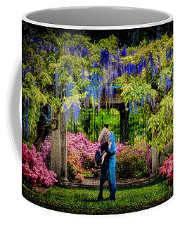 Coffee Mug featuring the photograph New York Lovers In Springtime by Chris Lord