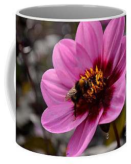 Nosy Bumble Bee Coffee Mug