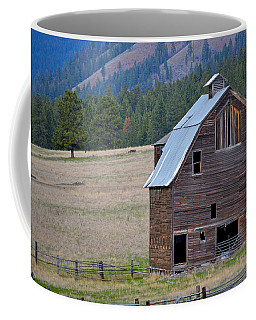 Old Barn In Washington Coffee Mug