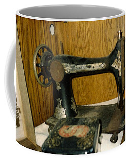 Old Sewing Machine Coffee Mug