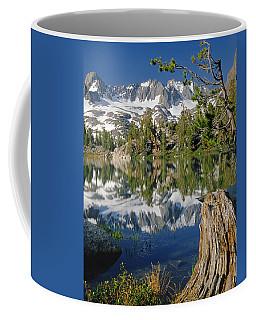 2m6443-v-palisade Peaks And Summit Lake V Coffee Mug