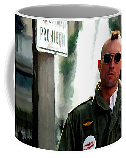 Robert De Niro In The Film Taxi Driver - Martin Scorsese 1976 Coffee Mug