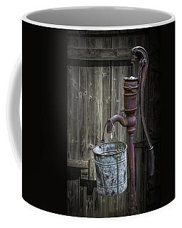 Rusty Hand Water Pump Coffee Mug