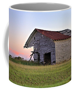 Coffee Mug featuring the photograph Sun Slowly Sets by Gordon Elwell