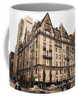 The Dakota Vintage Look Coffee Mug