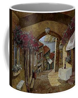 Un Bicchiere Sotto Il Lampione Coffee Mug