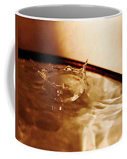Coffee Mug featuring the photograph A Drop In Crown by Lorraine Devon Wilke