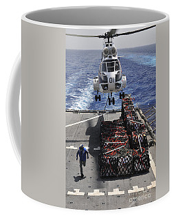 An Sa-330j Puma Helicopter Picking Coffee Mug