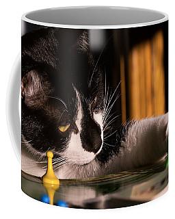 Cat Playing A Game Coffee Mug