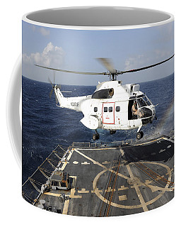 Helicopter Lands Aboard The Arleigh Coffee Mug