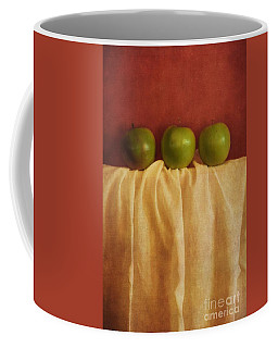 Trois Pommes Coffee Mug
