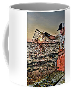 Crabbing On The Potomac Coffee Mug