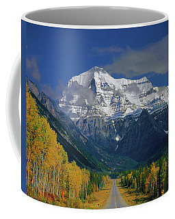1m2441-h Mt. Robson And Yellowhead Highway H Coffee Mug