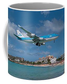 K L M Landing At St. Maarten Coffee Mug