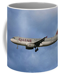Qatar Airways Airbus A320-232 Coffee Mug