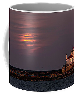 Coffee Mug featuring the photograph A Moonsetting Sunrise by Everet Regal