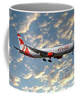 Air Canada Rouge Boeing 767-35h 120 Coffee Mug