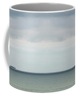 Coffee Mug featuring the photograph Sailing The Horizon by Linda Lees