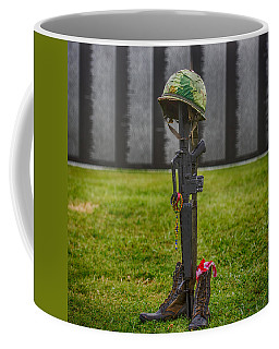 Battle Field Cross At The Traveling Wall Coffee Mug by Paul Freidlund