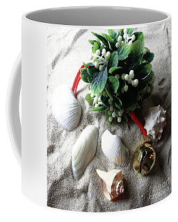 Beachy Mistletoe II Coffee Mug