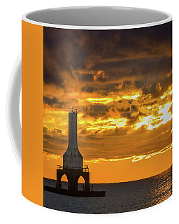 Big Water Sunrise V Coffee Mug
