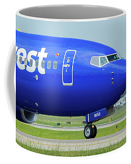 Coffee Mug featuring the photograph Boeing 737 N8652b by Guy Whiteley
