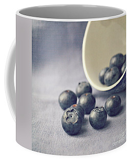 Bowl Of Blueberries Coffee Mug by Lyn Randle