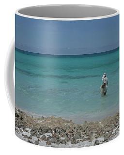 Buscando La Carnada Coffee Mug