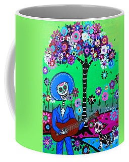 Cantando A Mi Chihuahua Coffee Mug