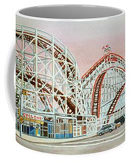 Cyclone Rollercoaster Coney Island, Ny Towel Version Coffee Mug