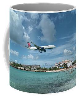 Delta 757 Landing At St. Maarten Coffee Mug