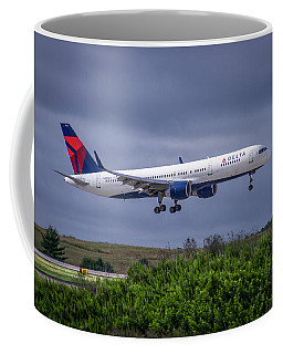 Delta Air Lines 757 Airplane N557nw Art Coffee Mug