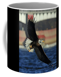Eagle Flying Coffee Mug