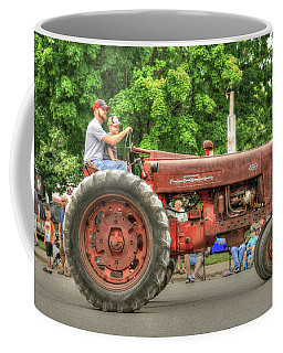 Farmall 400 Farm Fresh Parade Ready Coffee Mug