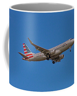 Flying In American Eagle Embraer 175 N426yx Coffee Mug