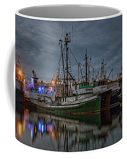 Coffee Mug featuring the photograph Full House 2 by Randy Hall