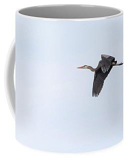 Coffee Mug featuring the photograph Great Blue Heron 2017-1 by Thomas Young
