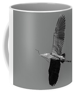 Coffee Mug featuring the photograph Great Blue Heron 2017-2 by Thomas Young