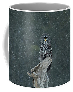 Great Gray Owl In Snowstorm Coffee Mug