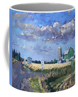 Green Barn In Glen Williams On Coffee Mug
