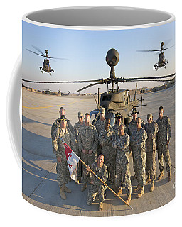 Group Photo Of U.s. Soldiers At Cob Coffee Mug