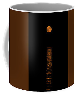 Coffee Mug featuring the photograph Harvest Moonrise by Paul Freidlund